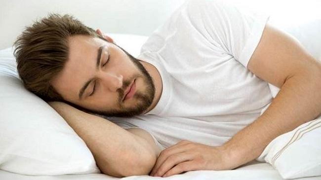 آیا-خواب-مهم-تر-از-تغذیه-سالم-است؟