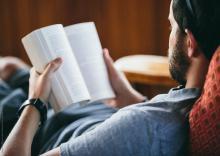 بهترین-لنز-تماسی-برای-مطالعه