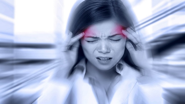 سردرد-با-استفاده-از-لنزهای-تماسی