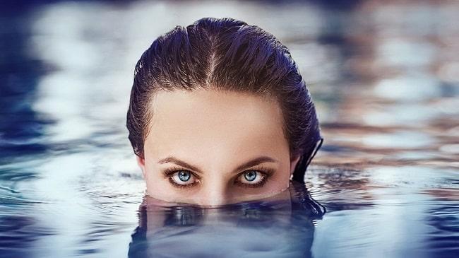 شنا-با-لنزهای-تماسی