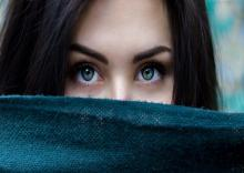 لنزهای-تماسی-رنگی