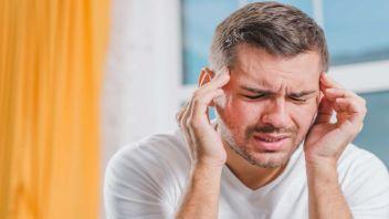 لنزهای تماسی میتوانند باعث سردرد شوند؟
