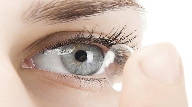 ۱۰-راهکار-برای-کاهش-خشکی-چشم-با-لنز