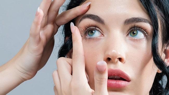 ۷ مزیت عمده لنزهای تماسی ماهانه