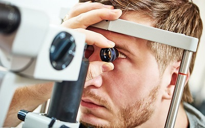 معاینه مرتبط چشم ها-دیالنز