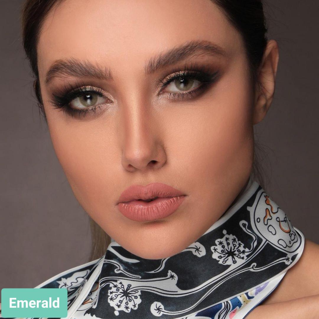 Emerald (طوسی سبز بدون دور) برند لولیتا به همراه قیمت امروز لنز رنگی و قیمت امروز لنز طبی