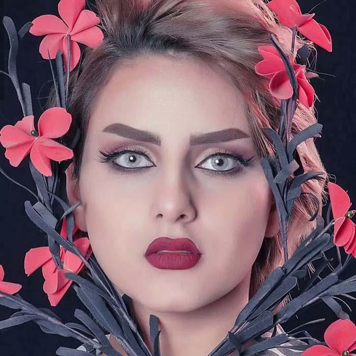 فروش لنز Diva April (طوسی آبی بدون دور)  برند ویکتوریا بهمراه قیمت امروز لنز رنگی  و قیمت امروز لنز طبی