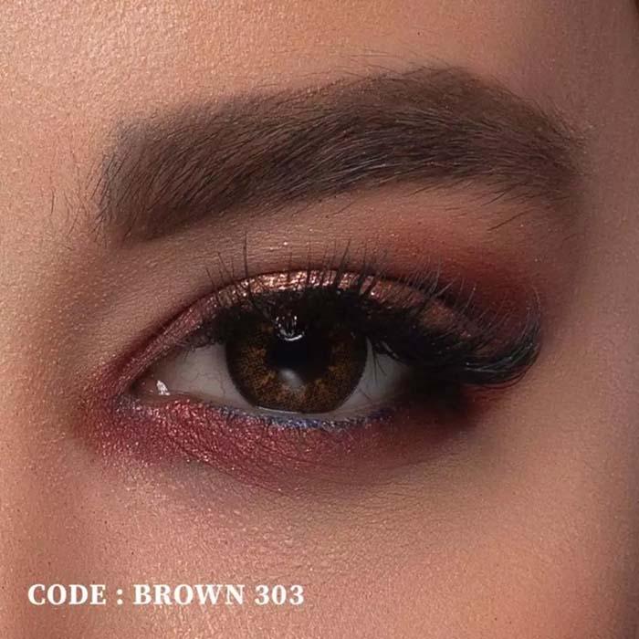 فروش لنز Brown 303 (قهوه ای عسلی)  بهمراه قیمت امروز لنز رنگی  و قیمت امروز لنز طبی